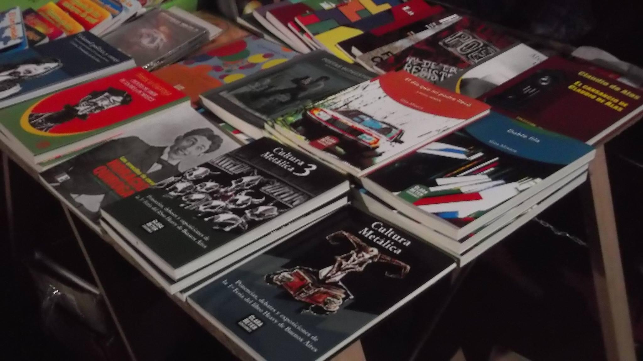 Del Heavy Metal a la poesía de Boedo, la editorial Clara Beter estará en el Libro Móvil de Plaza Echeverría
